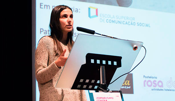 A escsiana Vera Moutinho foi distinguida com uma Menção Honrosa.